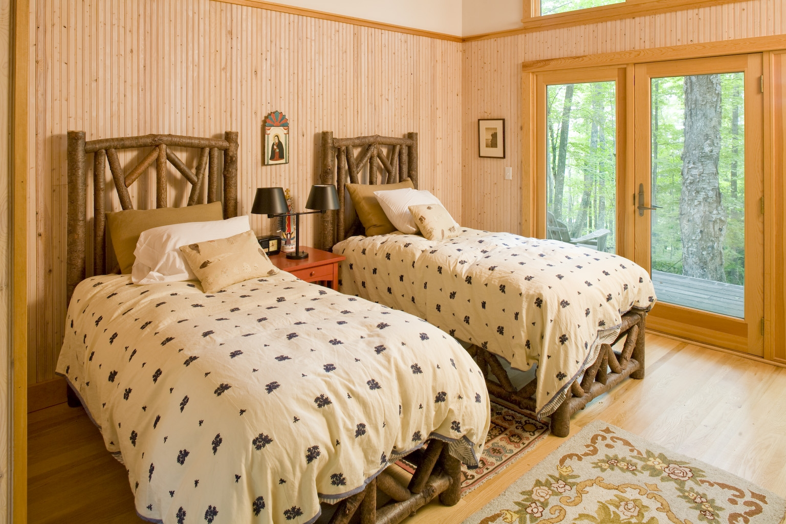 Lake Residence Guest Bedroom
